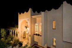 Villa RRE by night