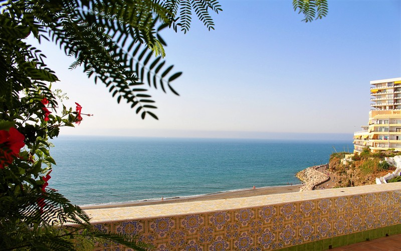 New! Beach Bungalow with overall sea views